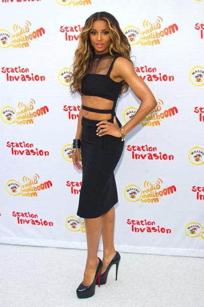 Ciara Vs Ellie Goulding Christopher Kane Fall 2011 Black Dress
